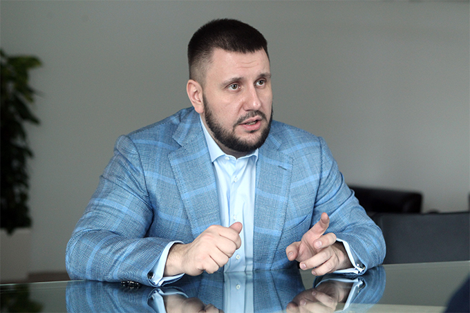 The authorities have hold aloof from solving  problems of refugees from Donbas, – Oleksandr Klymenko