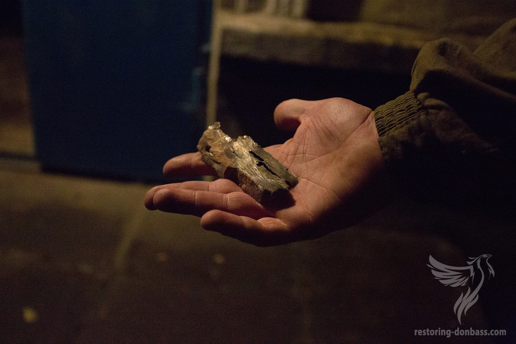 Hit of a shell into a residential apartment, Donetsk, June 11, 2015