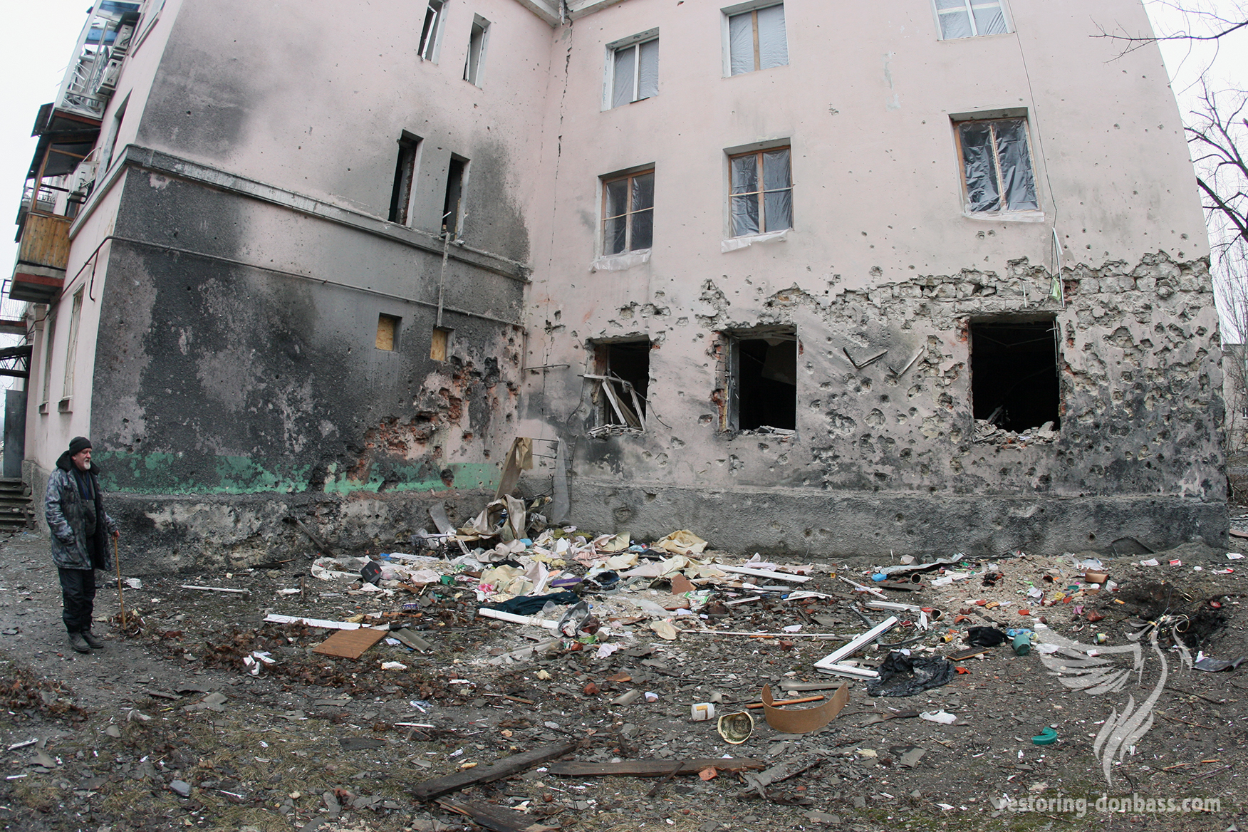 Residential building in Donetsk, which came under fire, March 5, 2015