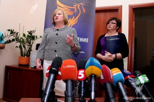 The head of the initiative Elena Petryayeva with Inna Mishina, the head of the Center of the advisory help