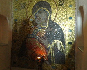 Icon of the Mother of God in caves of the Svyatogorsky monastery. Anna Dudko