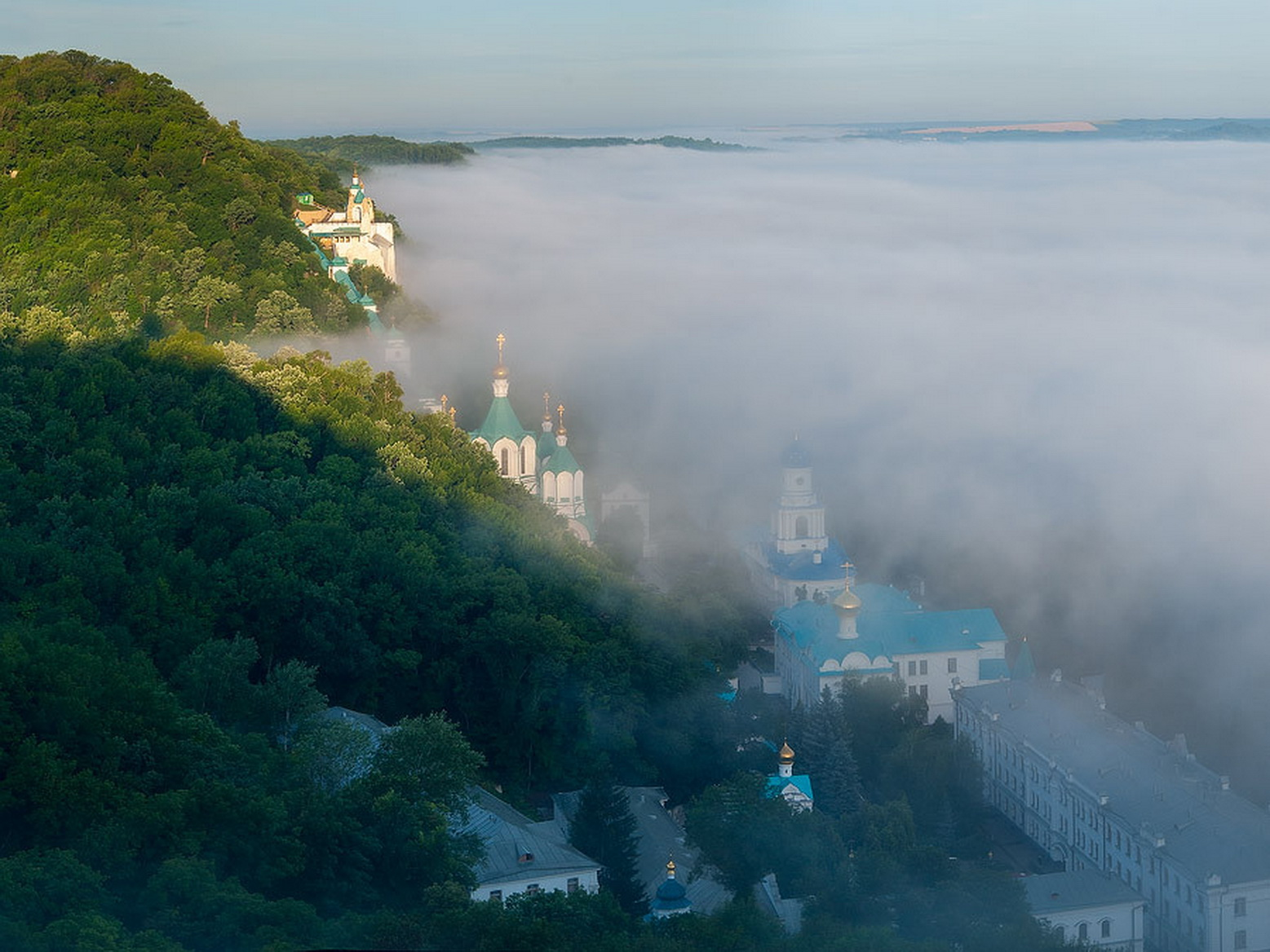 Svyatogorsk morning. Dmitry Balkhovitin