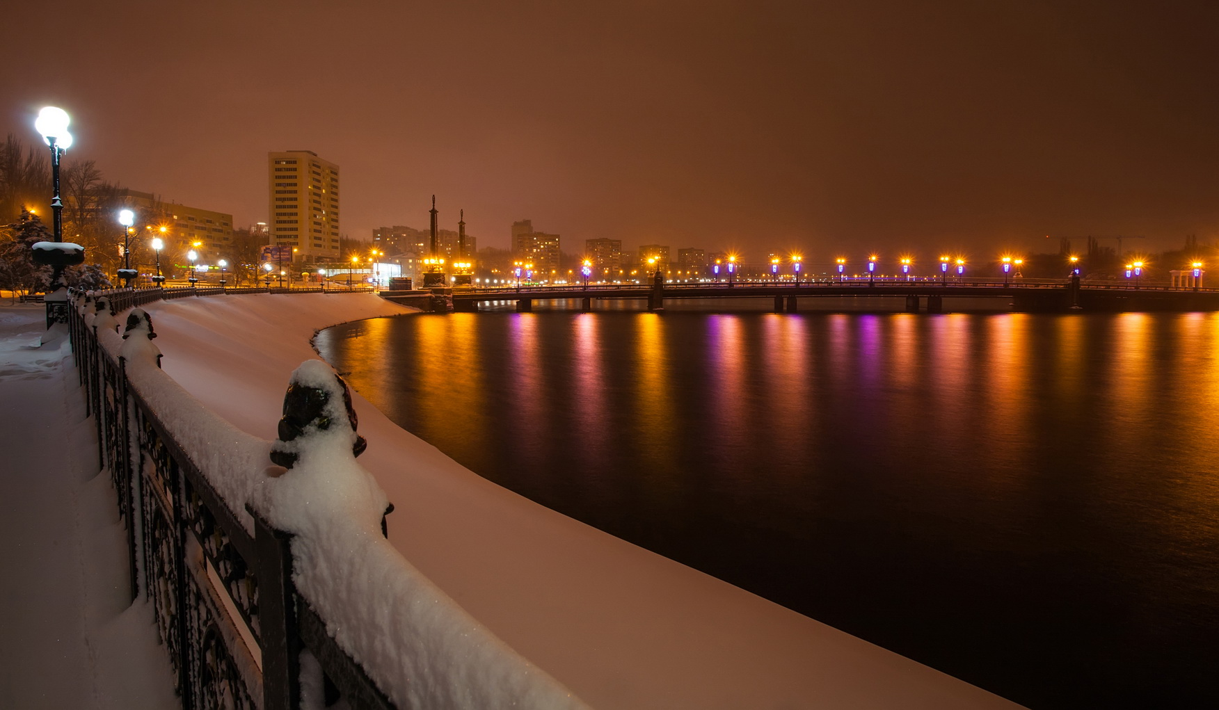 Winter embankment. Alexander Ryzhkov