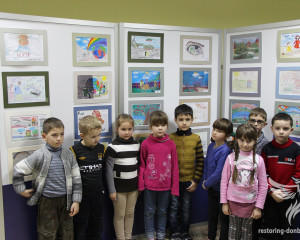 Little guests of the exhibition in Sumy