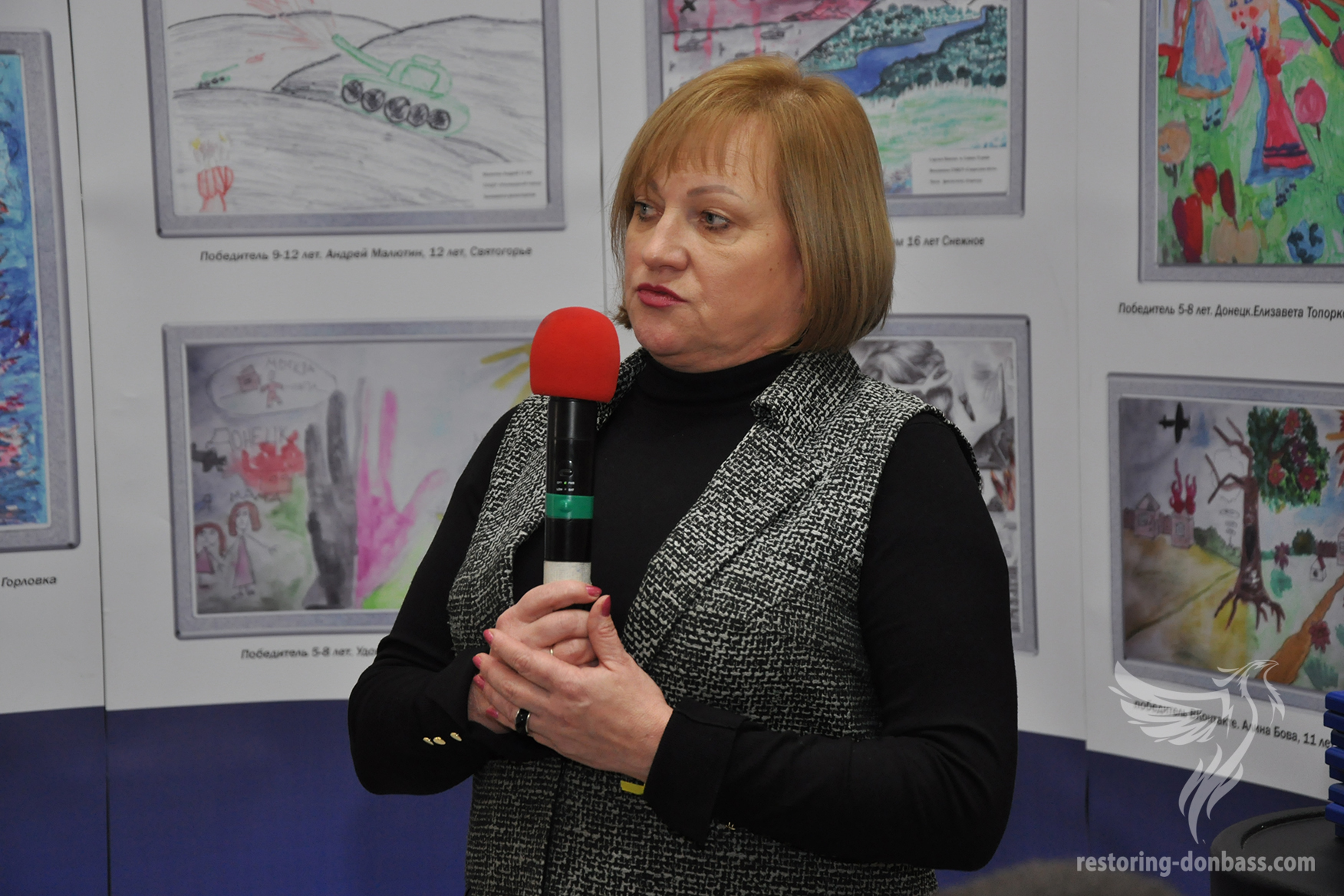 The head of the initiative Elena Petryaeva on Kramatorsk exhibition