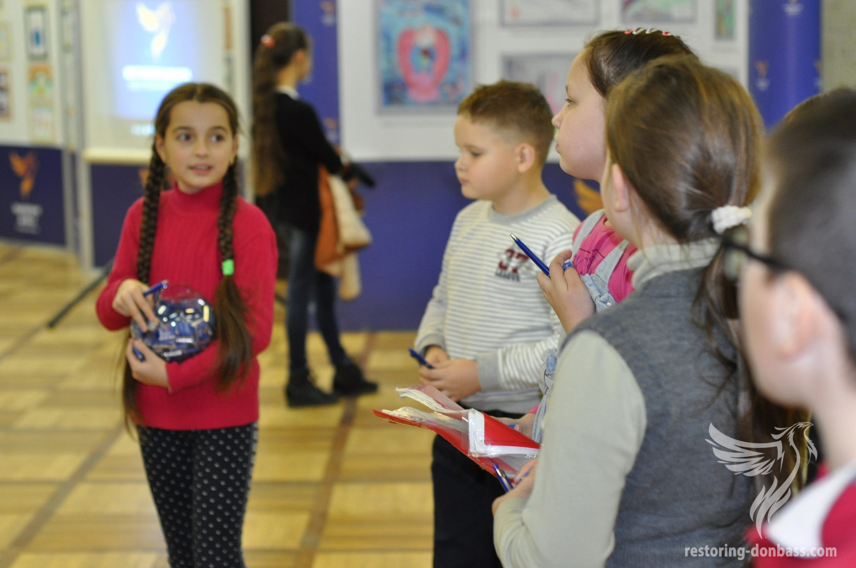 Young guests of the exhibition in Chernovtsy