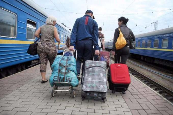 Almost half of Ukrainians are indifferent to IDPs