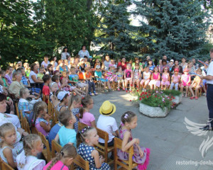 Sumy Center of the social help volunteers have arranged a holiday for IDPs children