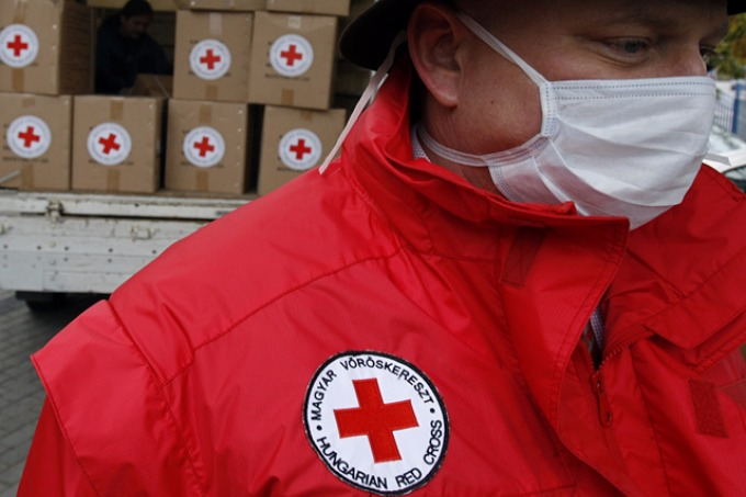 The Red Cross to send 12 trucks of humanitarian aid to the territories beyond the Government control