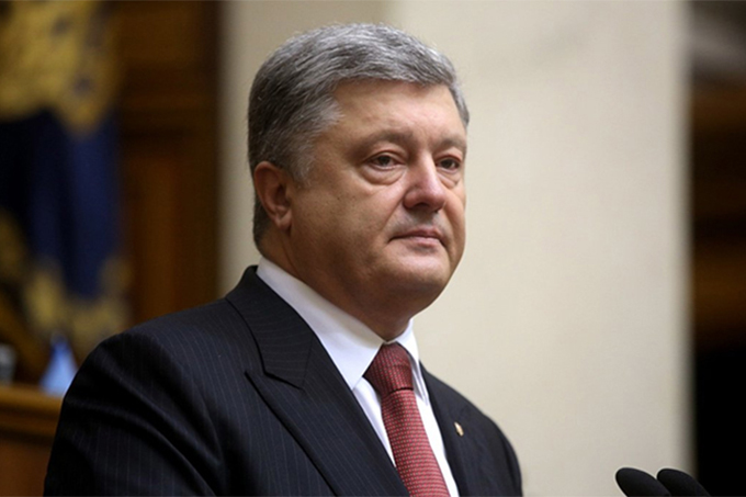 "There is no world support: Poroshenko is not ""handshaking"" anymore"